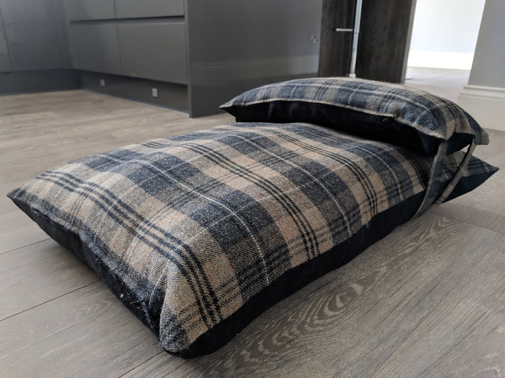 Brown country check wool dog bed UK