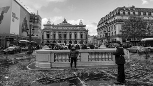 Place_de_l'opéra_avec_logo_NB.jpg