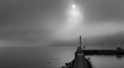 Brouillard d'automne - Jetée au bord du