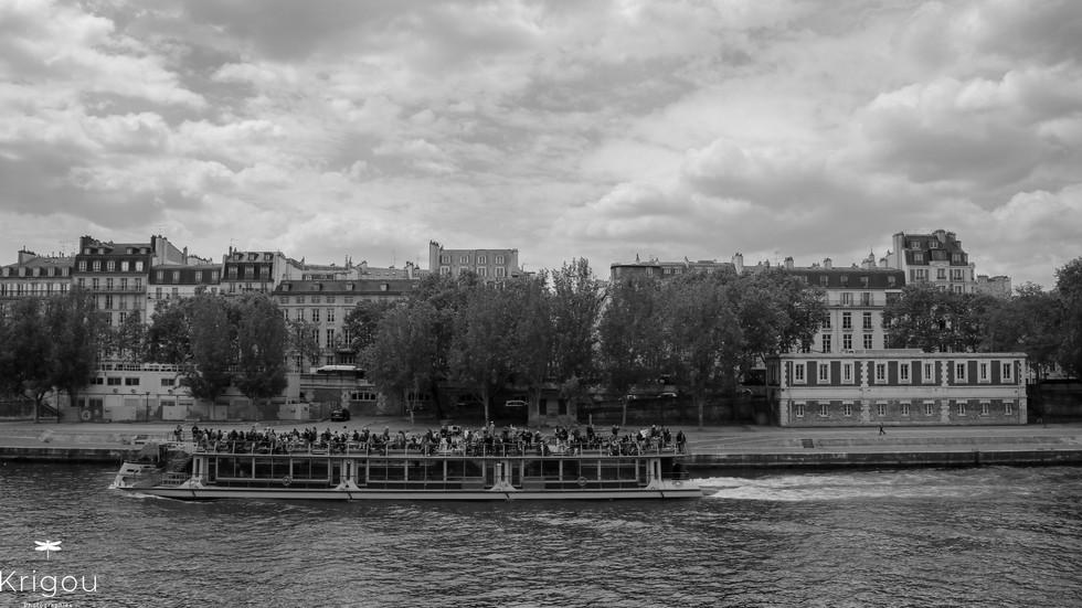 Promenade sur la Seine avec logo NB.jpg