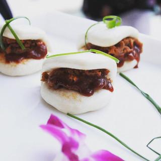 pulled-pork-on-mini-asian-buns.jpg