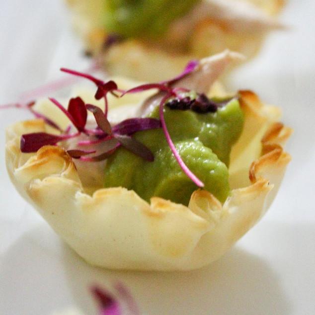 tuna-tartlet-with-avocado-cream.jpg