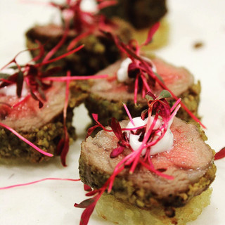 pistacchio-crusted-filet-with-a-yogurt-a