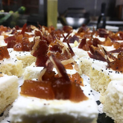 ricotta-spread-with-caramelized-pears-an