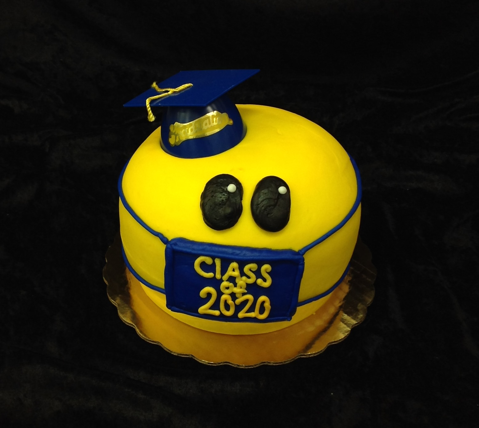 GB-139 Face Mask Smile Cake