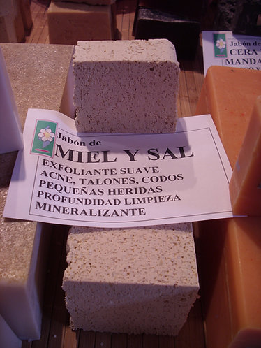 JABON EXFOLIANTE DE MIEL Y SAL