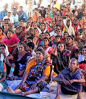Crowds watch Sambalpuri JESUS film