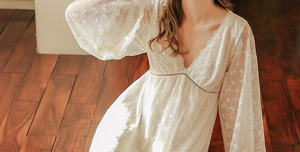 Beautiful Womens White Vintage Nightgown, Long Sleeves Comfortable Nightgown