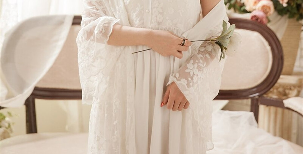 Vintage White Women's Lace Nightgown,Beautiful Chemise Embroidery vintage gown