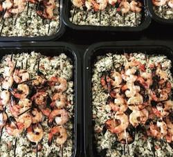 Brochettes de crevettes grillées