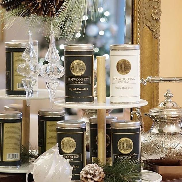 ティーテイスティングは母校Elmwood Inn Fine Teasのオリジナルティー8~10種類を使用して行います。