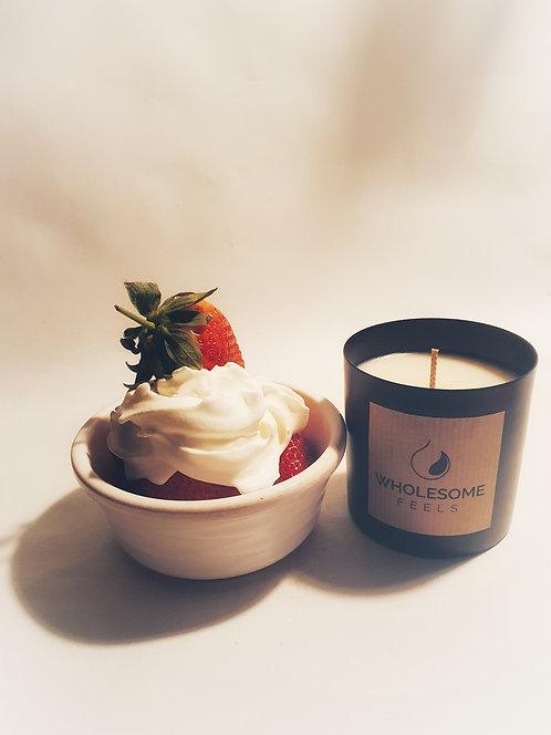 Strawberries & Cream - Black Jar Candles