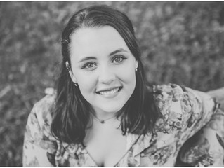Arianna {Iowa City, Senior Photographer}