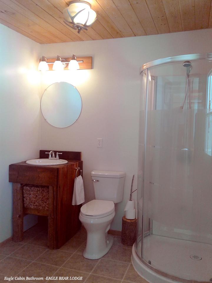 Eagle Cabin Bathroom @ Eagle Bear Lodge