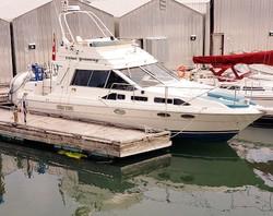 Bayliner 3 cabin boat