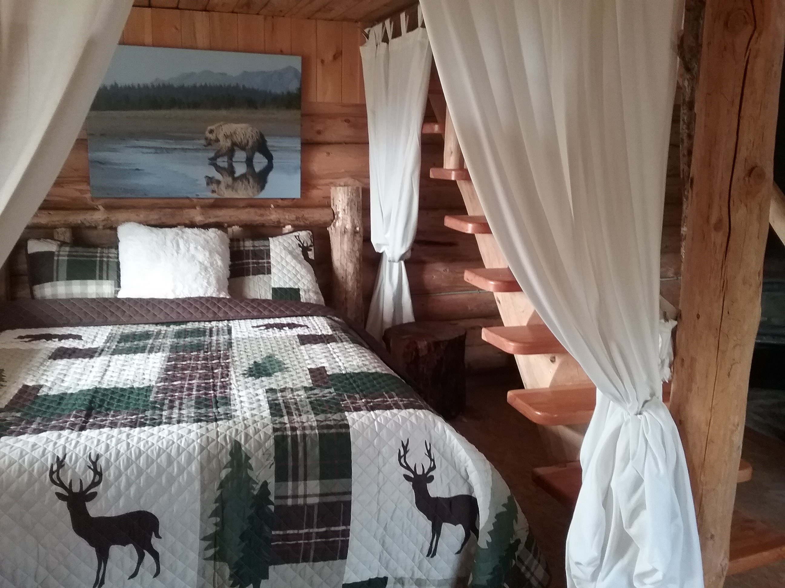 Moose Cabin Queen Bed Main Floor
