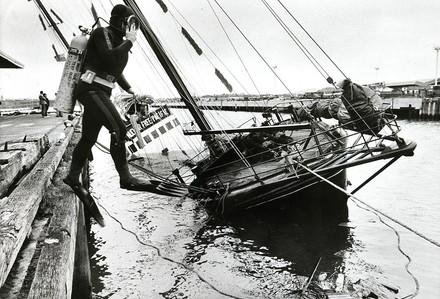 Rainbow Warrior sinking.jpg