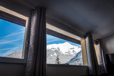 (19) Nant - Outside _ Windows - LOW RESO