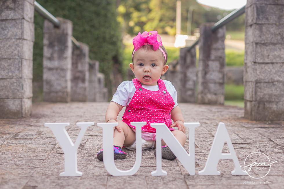 Yuna Smash the cake-3.jpg