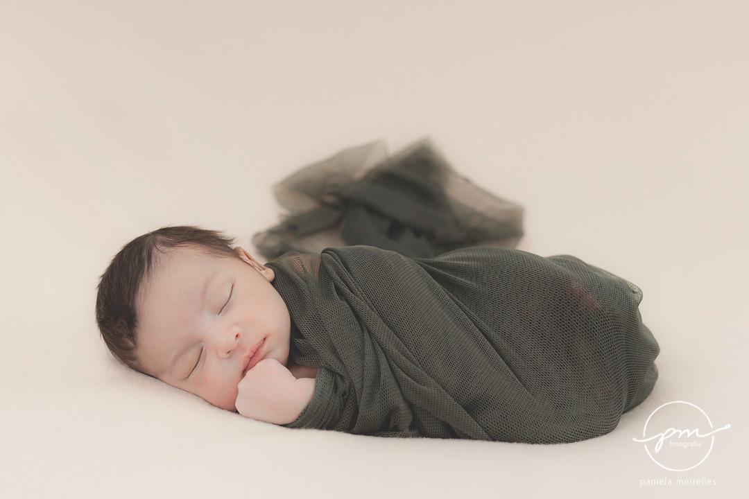 Newborn Gustavo-2.jpg