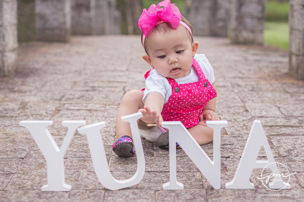 Yuna Smash the cake-4.jpg