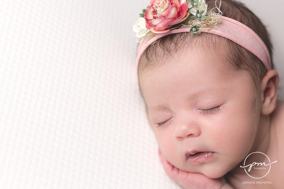 Newborn Livia-4.jpg