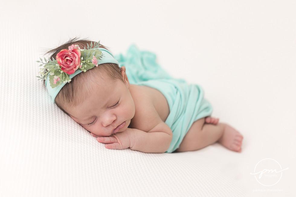 Newborn Livia-11.jpg