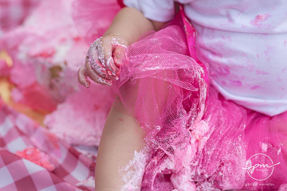 Yuna Smash the cake-46.jpg