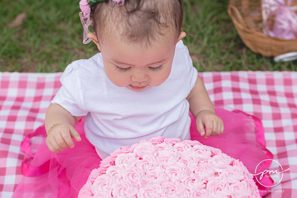 Yuna Smash the cake-22.jpg