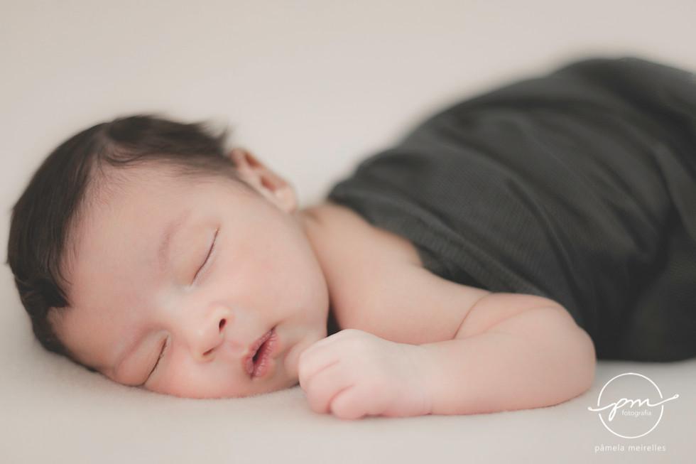 Newborn Gustavo-8.jpg