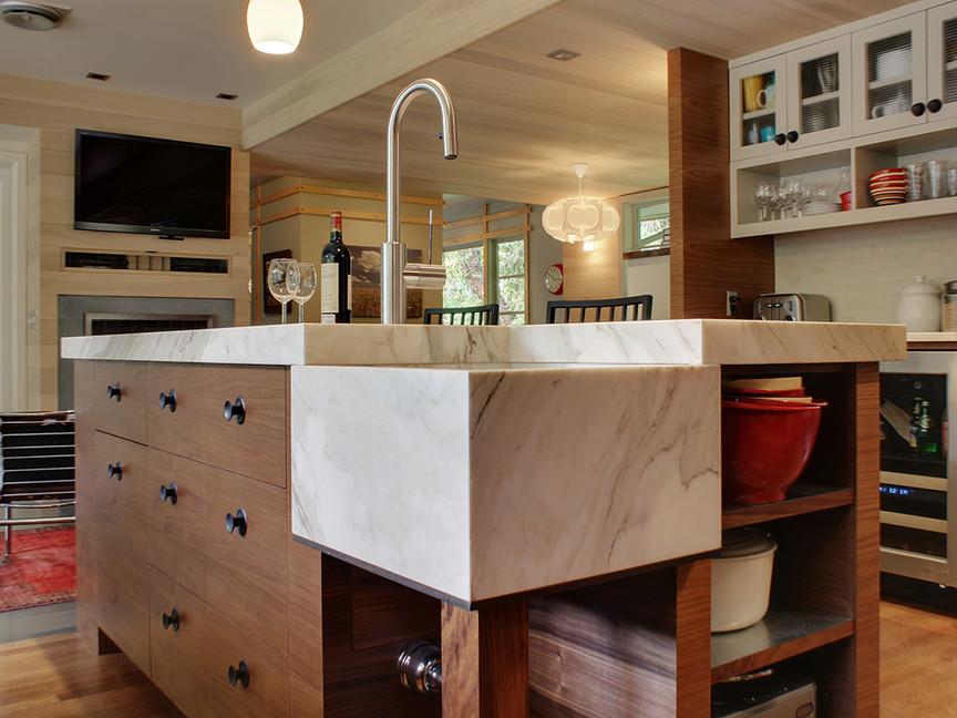kitchen island 2 web.jpg