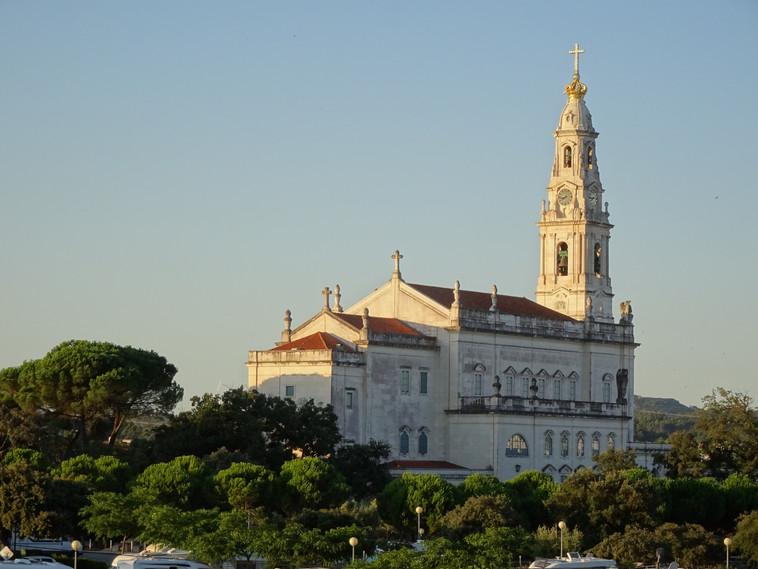 Basilika in Fatima 3. Tag.JPG