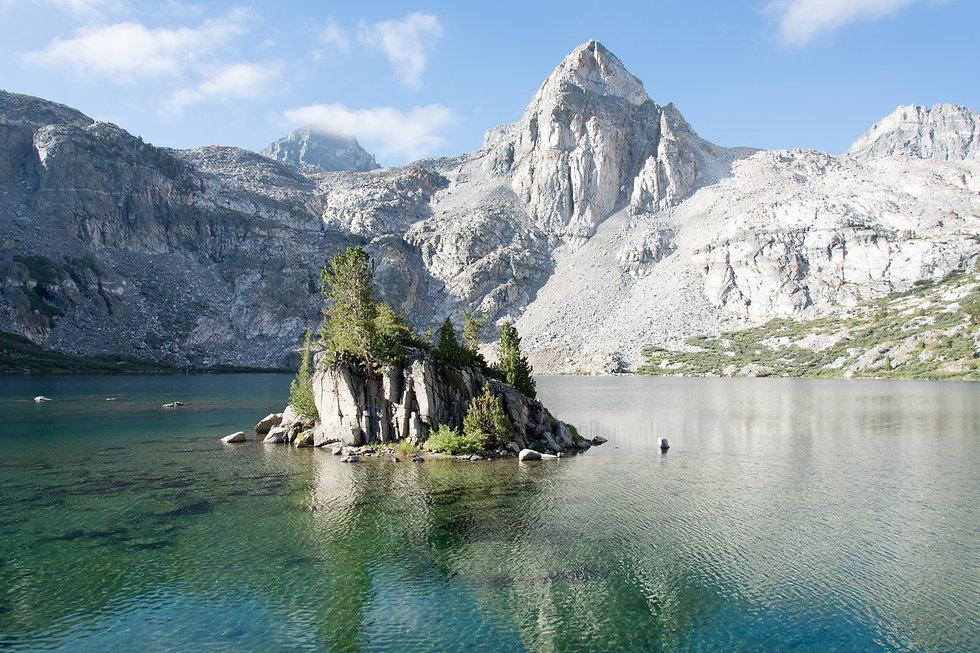Kings.canyon.glacier.lake.jpg