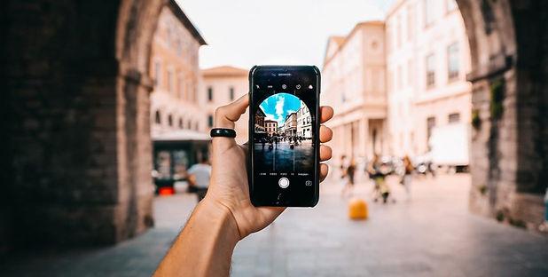 blu-phone-photography-1024x585-1160x585.