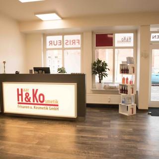 Haar & Ko Frisuren und Kosmetik GmbH