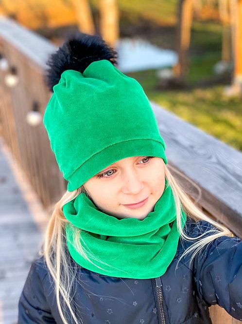 Kepurė su bumbulu ir mova green