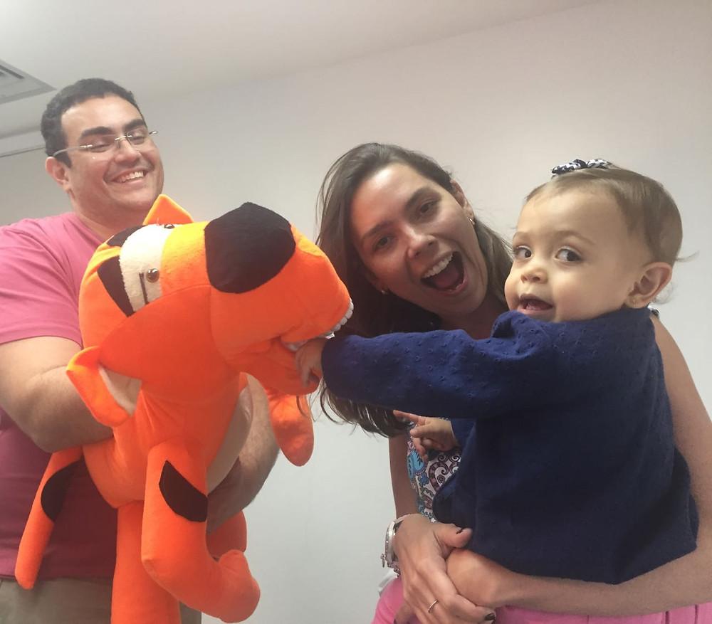 pais e filhos no dentista