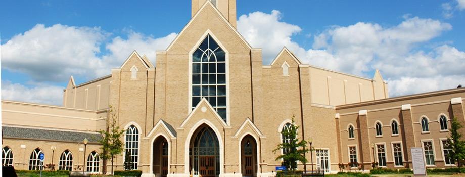 Construimos iglesias.