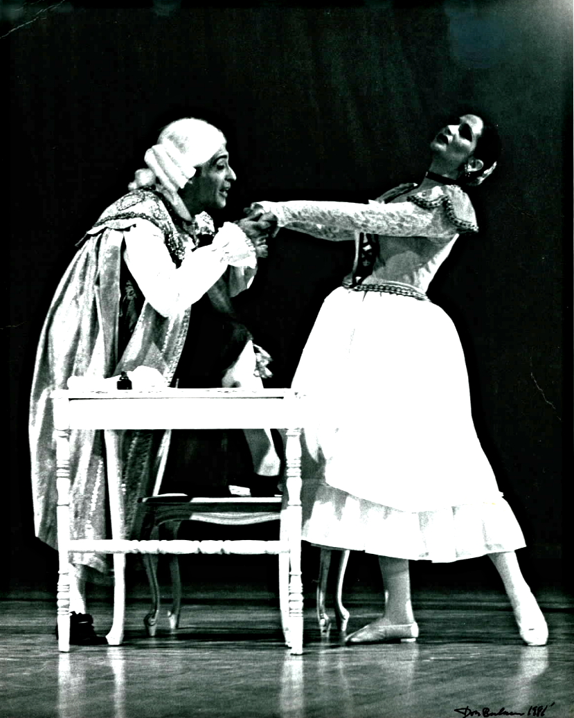 Victorio & Dame Libby Komaiko