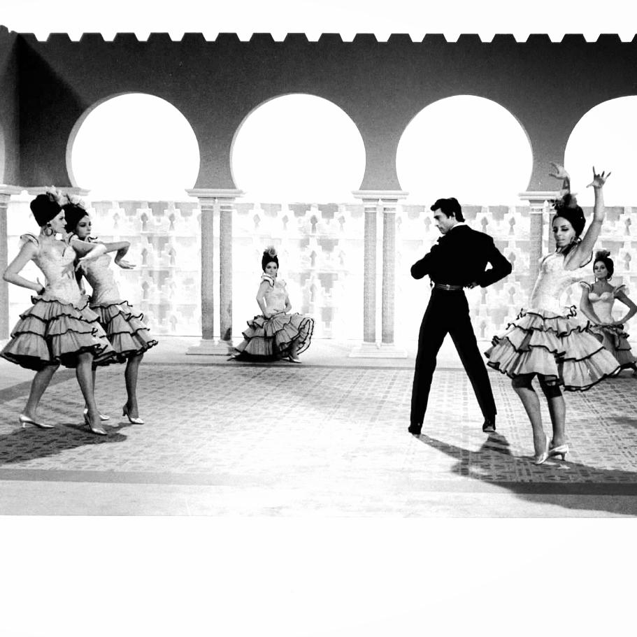 Victorio & Dancers