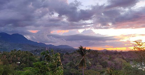 PHILIPPINES. Puerto Galera - a paradise island in the Philippines you DON'T have to fly to