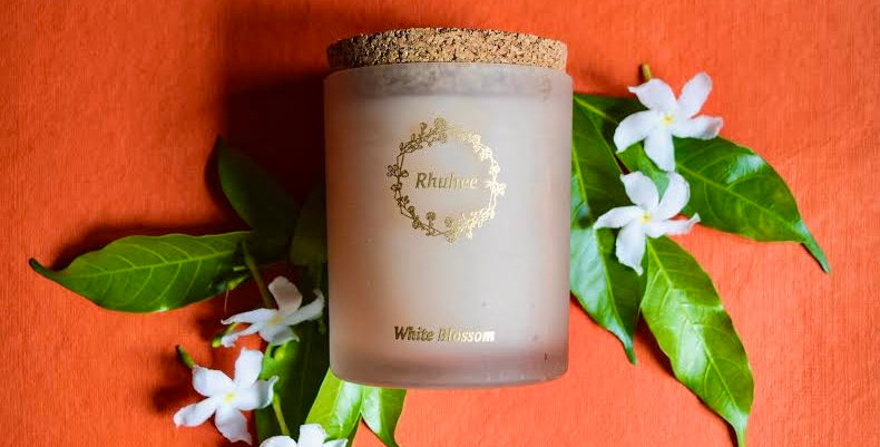 White blossom candle