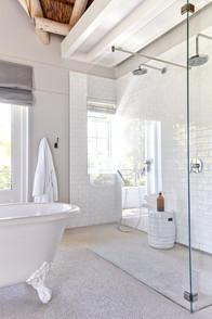 Bath Masterbedroom 0130-2.jpg