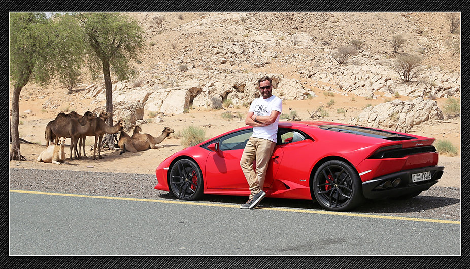 Lee-with-lambo-camels.jpg