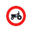 R-111 Entrada prohibida a vehículos agrícolas de motor.