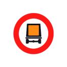 R-108 Entrada prohibida a vehículos que transporten mercancías peligrosas.