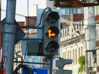 В Омске продолжаются работы по повышению безопасности дорожного движения