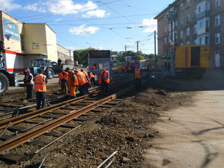 На улице Серова идет капитальный ремонт трамвайного пути