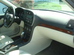 2007 Saab 9-3 dash