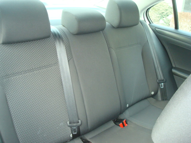 2013 VW Jetta rear seats 2